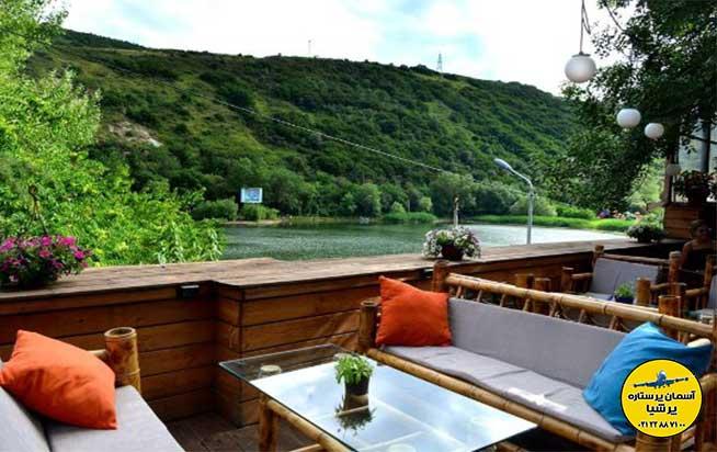 کافه های مشرف به دریاچه