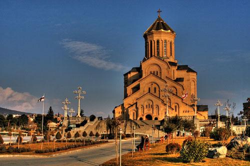 کلیسای جامع تثلیث مقدس تفلیس