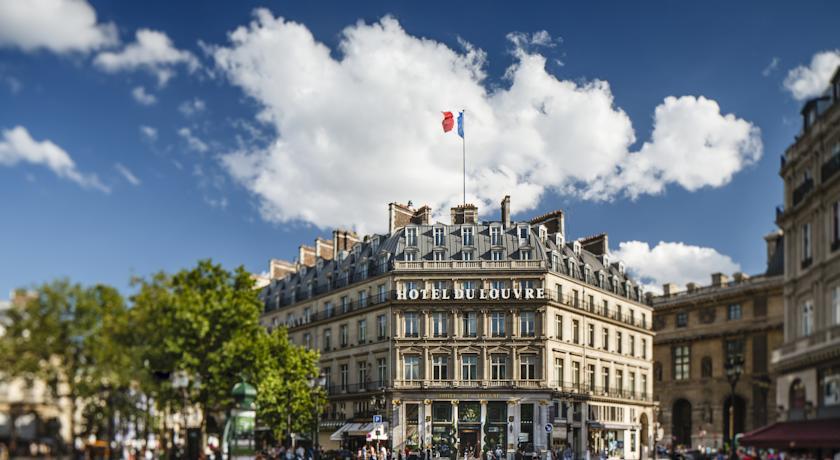 DU LOUVRE PARIS