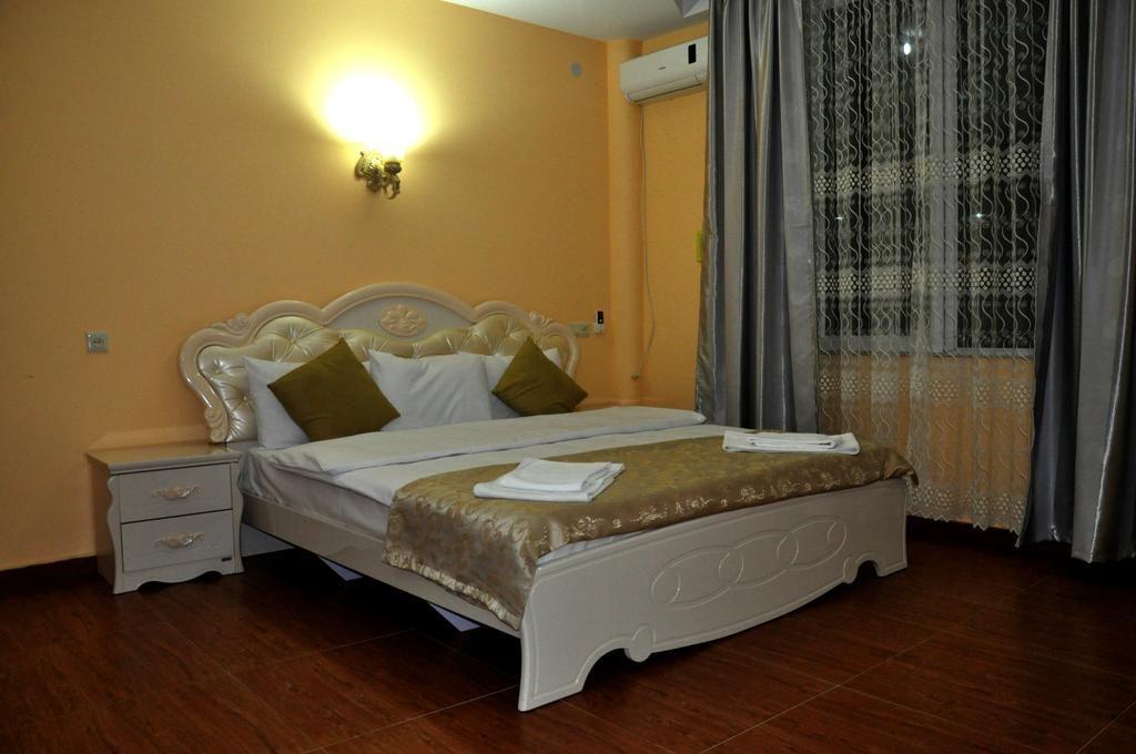 اتاق های هتل White Palace تفلیس