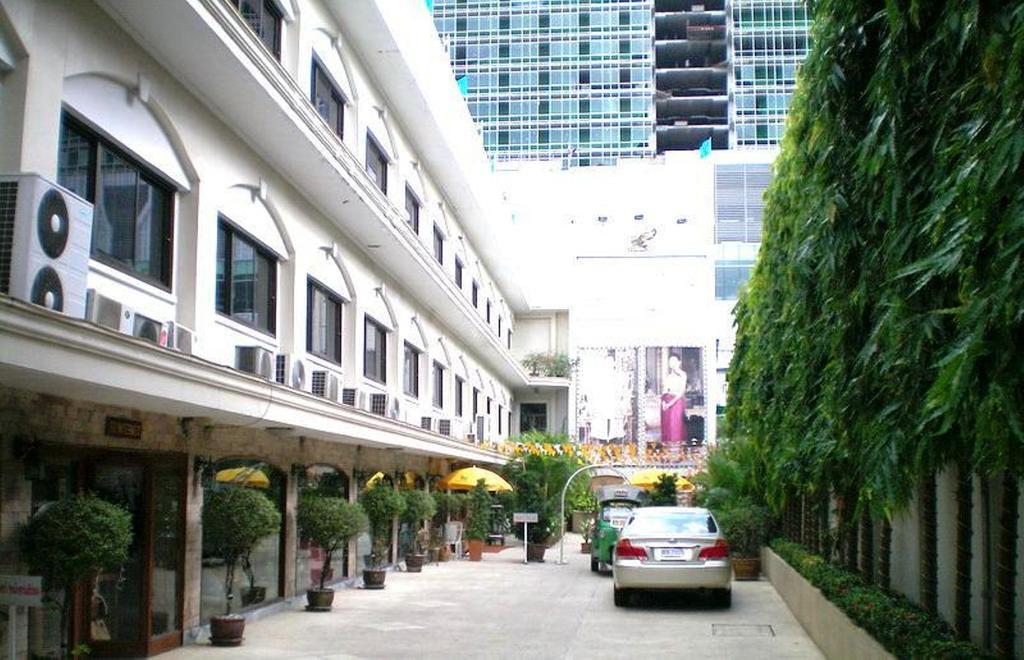 PJ Watergate Hotel