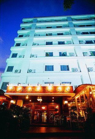 howard square hotel bangkok