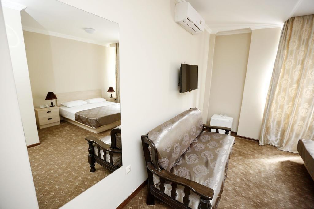 اتاق ها و سوئیت های هتل جی ان جی تفلیس