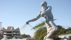 مرد ماهیگیر 4 300x169 - مرد ماهیگیر کیش