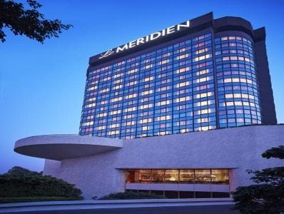 Le Meridien hotel room