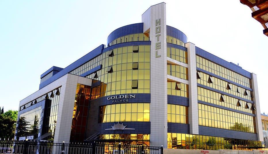 تور گردشگری تفلیس با هتل چهار ستاره گلدن پالاس