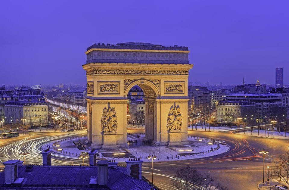 نگاهی نزدیک تر به طاق پیروزی پاریس