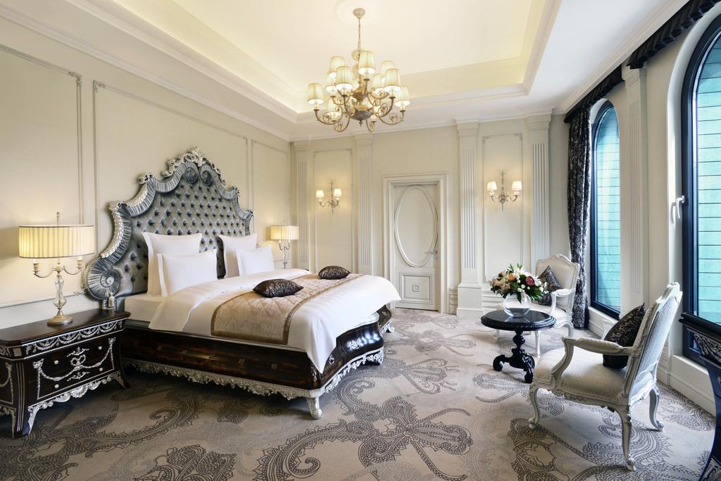 اتاق های هتل Ambassadori تفلیس