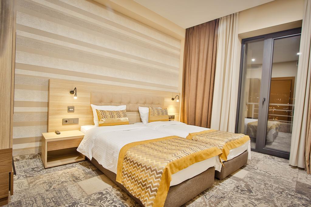 اتاق های هتل Ameri Plaza