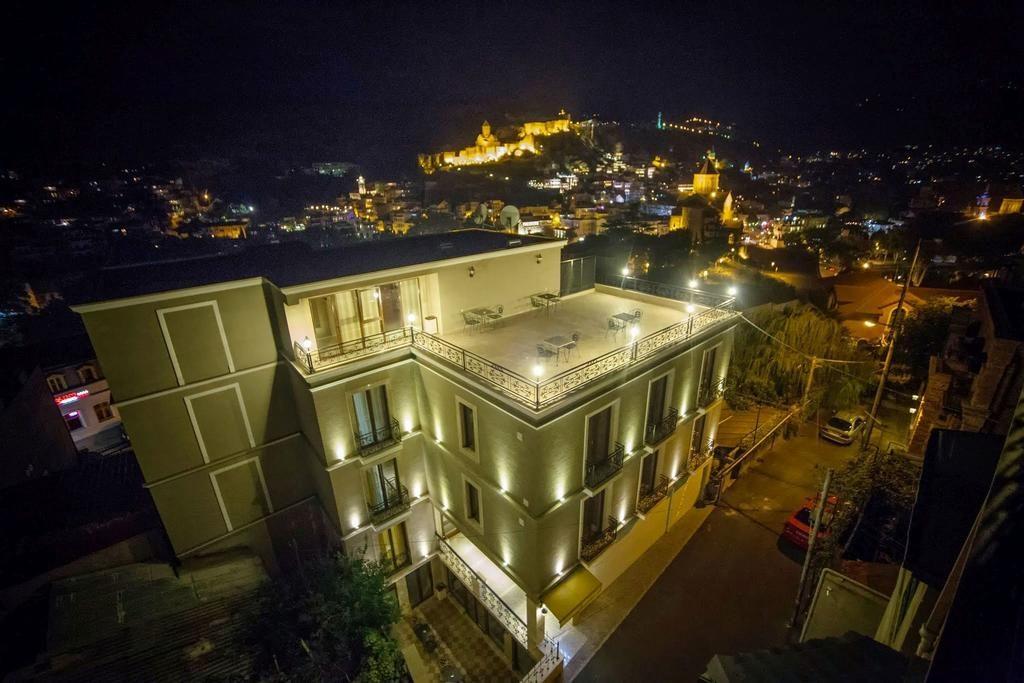 تور گردشگری تفلیس با هتل چهار ستاره KMM