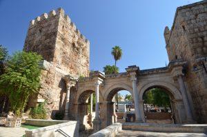 دروازه ی هادریان آنتالیا