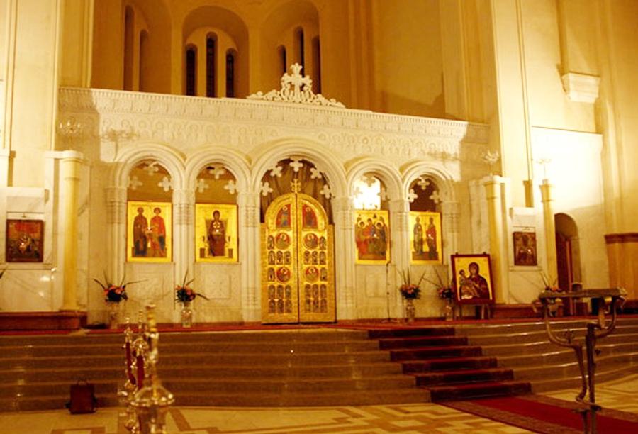 دیوارهای داخلی کلیسا
