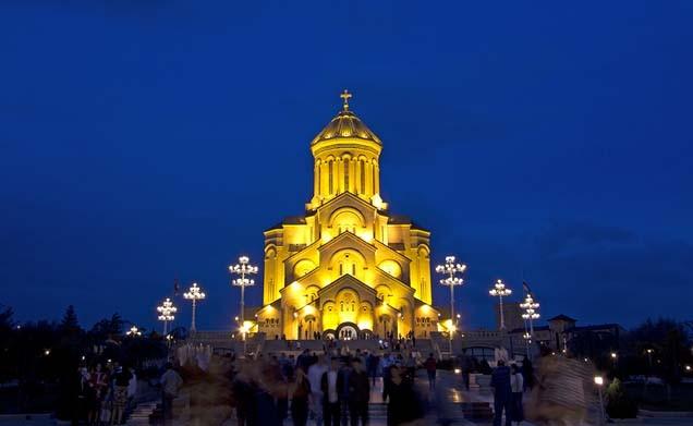 ساخت و ساز کلیسای جامع سامبا بر اساس سنت ها
