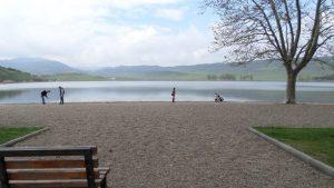 شنا در دریاچه ی لیسی تفلیس