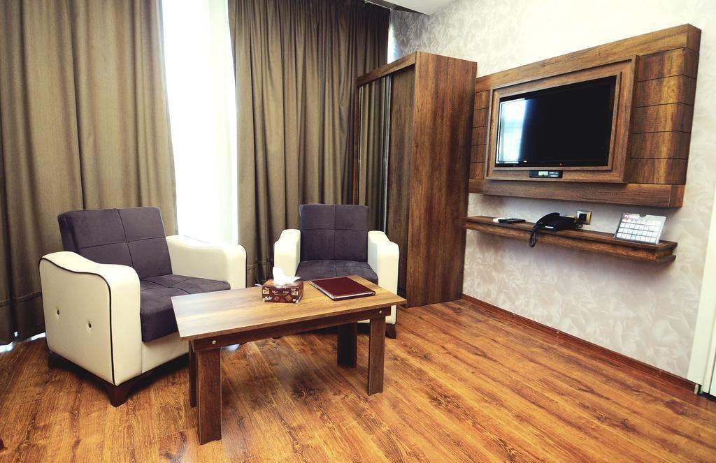 فاصله هتل گرین کوئین بوکت تا مراکز مهم شهر تفلیس