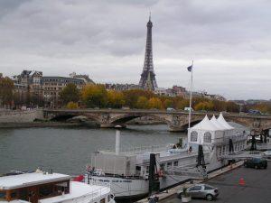 قایق سواری در رودخانه ی سن پاریس