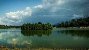 معرفی دریاچه آویدر