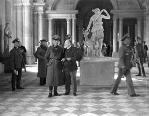 موزه ی لوور و نازی ها