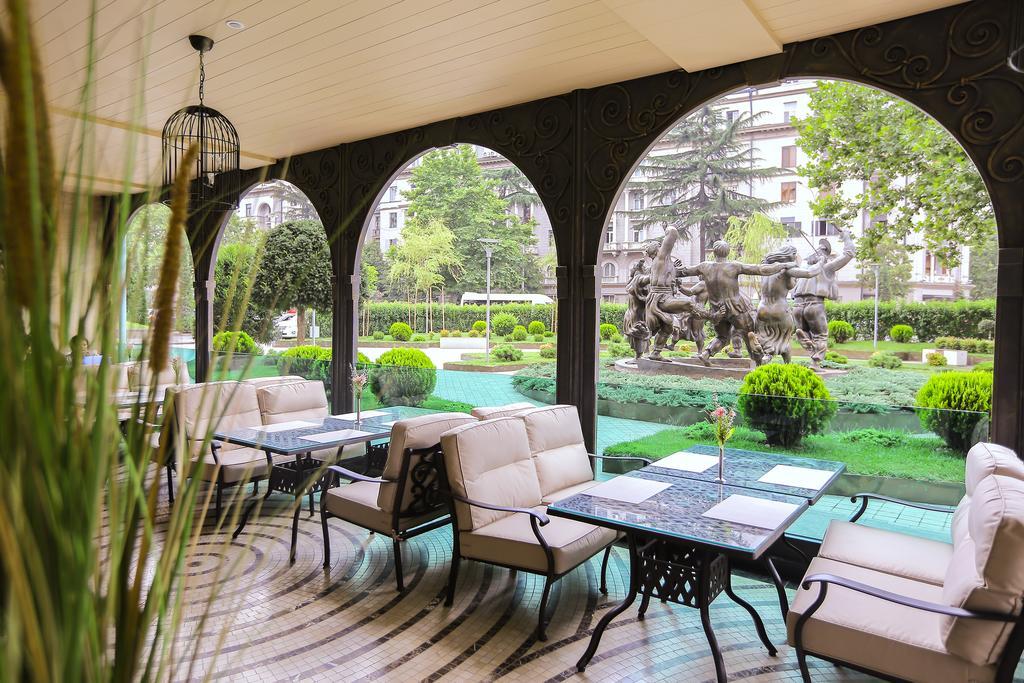 هتل پنج ستاره ی Ambassadori