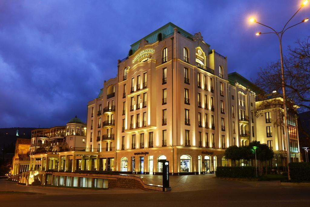 هتل Ambassadori اقامتی لوکس در تفلیس