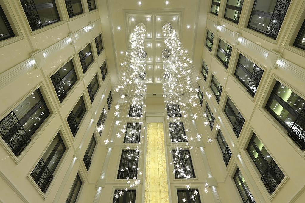 هتل Ambassadori
