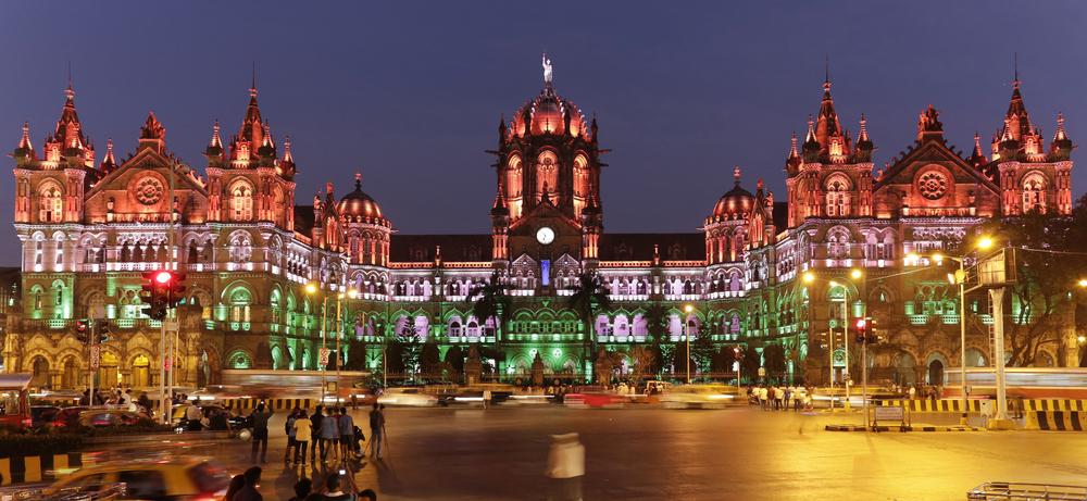 پایانه چاتراپاتی شیواجی در بمبئی