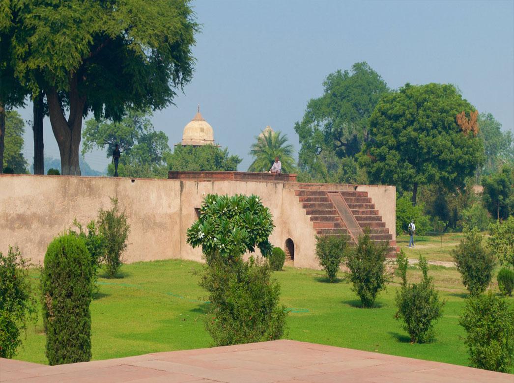 باغ رام آگرا