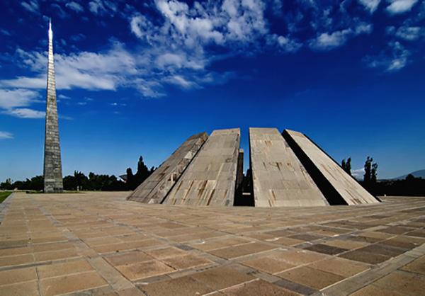 بنای یادبود قتل عام ارامنه