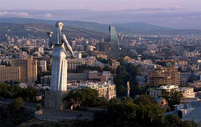 معرفی مجسمه مادر گرجستان در تفلیس