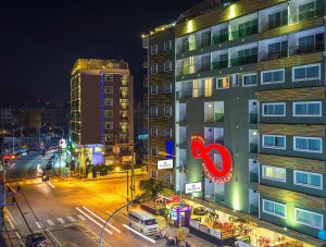 patong holiday hotel