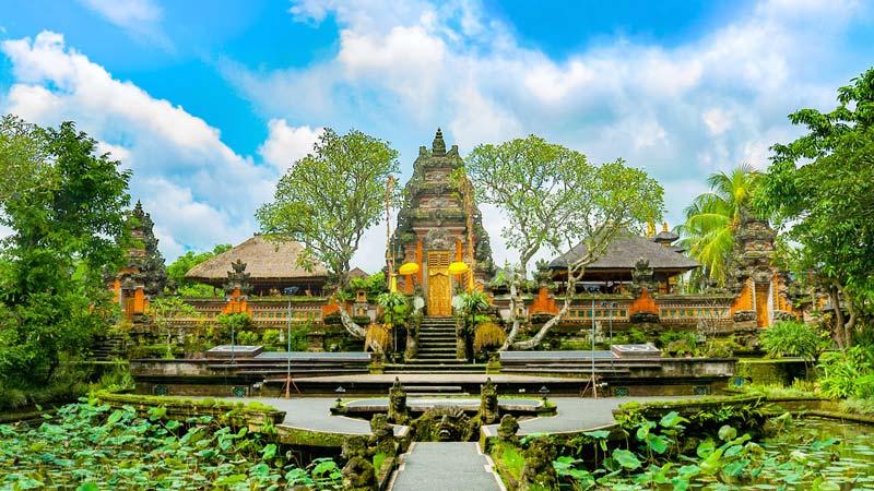 معبد پورا بساکی