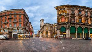 پیاتزا دی مرکانتی در میلان