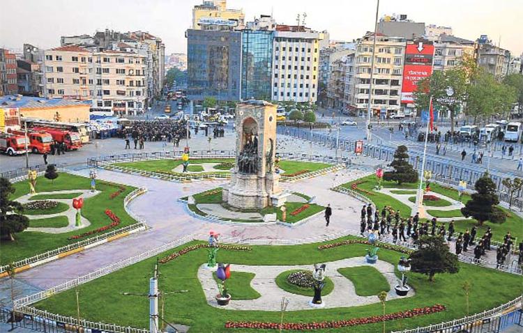 رستوران ها و کافه های مشهور میدان تکسیم