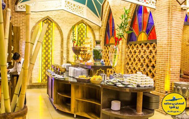 رستوران بابا قدرت در تور ارزان کیش