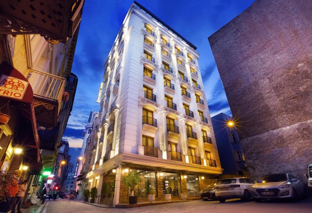 PERA CENTER HOTEL